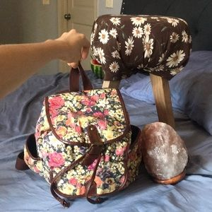 Floral sinch up medium sized back back bag